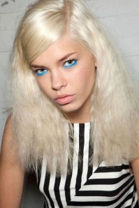 hbz-makeup-trend-ss13-blue-green-eyes-Moschino-lgn