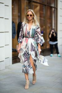 55024bf334908_-_hbz-lfw-ss2015-street-style-day3-03